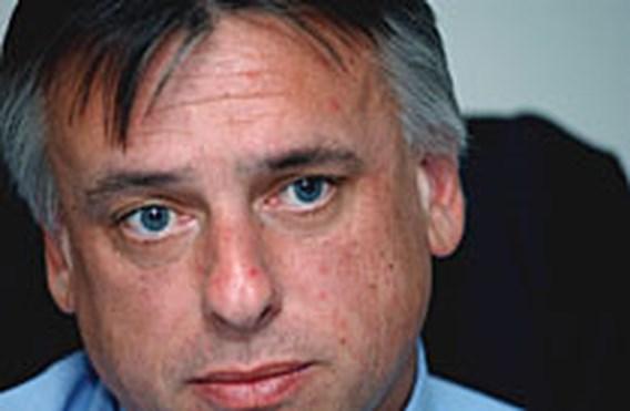 Dewael wil privébedrijf zieke agenten laten controleren