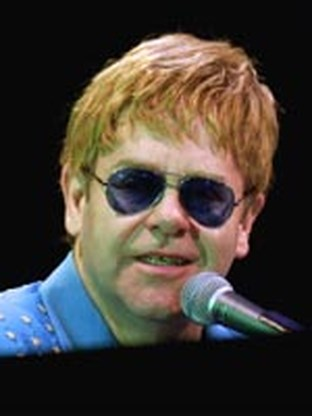 Elton John trouwt eind dit jaar