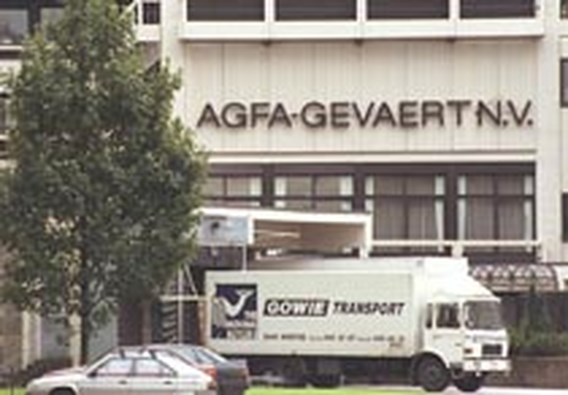AgfaPhoto duwt Agfa-Gevaert in het rood