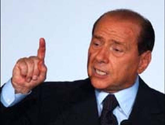 Berlusconi ontsnapt aan proces