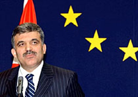 Gül eindelijk tot president gekozen