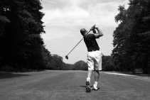 De golfsport doet het in Vlaanderen zo goed dat op termijn misschien aan twee keer zoveel terreinen behoefte is. De milieubeweging is niet a priori tegen.photonews <br><br><!--para1--><br><br><!--para2-->