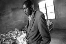 In het ,,holocaustmuseum van Rwanda'' werden historische artefacten, kunstwerken en lichaamsresten van slachtoffers samengebracht.