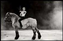 Lucas Vandervost en een Brabants trekpaard speelden in 1997 de hoofdrol bij De Tijd.    <br><br><!--para1-->