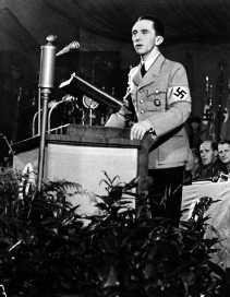 Goebbels was niet overtuigd van de mogelijkheden van de televisie.   <br><br><!--para1-->
