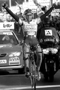 Ludovic Capelle pakt zijn tiende profzege. ,,Misschien haal ik nu ook de finale van de Ronde van Vlaanderen'', zegt hij.   <br><br><!--para1-->