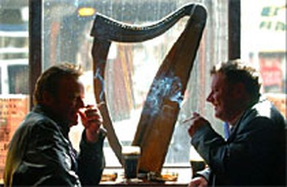 Ierse pubs sinds vannacht rookvrij