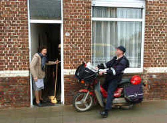Oudere postbode krijgt lichtere postronde