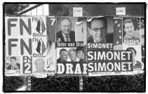 Brusselse politici zijn meer bevreesd voor het Vlaams Blok dan voor het Front National. In Wallonië wordt wel met een bang hart naar de score van het extreem-rechtse FN uitgekeken.