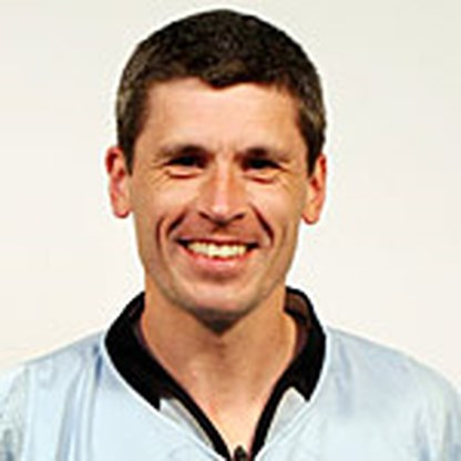 Markus Merk fluit finale Euro 2004
