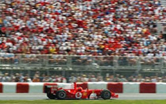 Michael Schumacher (Ferrari) zegeviert in GP F1 Canada