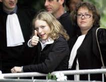 Sabine Dardenne, een van de slachtoffers van Marc Dutroux, laat geen twijfel bestaan over wat ze van de uitspraak vindt.