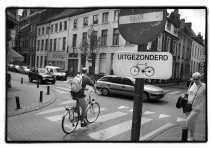 Gent is een van de steden waar in eenrichtingsstraten al enkele jaren de uitzonderingsborden voor fietsers om tegen de richting in te rijden hangen.