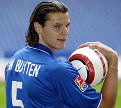 Daniel van Buyten beslist pas deze zomer over transfer