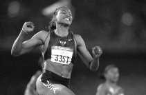 Met vijf medailles zorgde Marion Jones in 2000 voor een primeur in de atletiek.