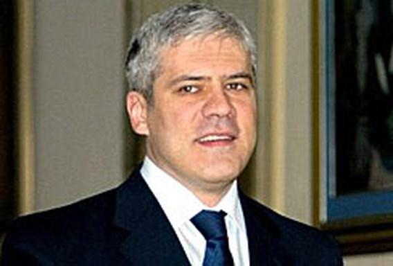 Servische president ontsnapt aan aanslag