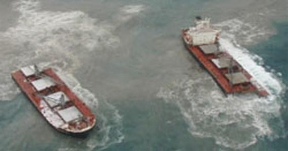 Mogelijk grote olieschade na ongeluk met vrachtschip bij Alaska
