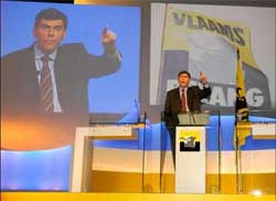 Helft Vlamingen wil Vlaams Belang in regering