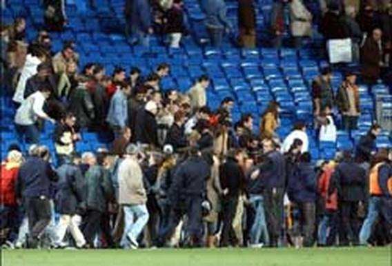 70.000 voetbalfans geëvacueerd na dreigement ETA