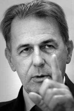 IOC-voorzitter Jacques Rogge: erelijst Johan Museeuw waardeloos.