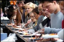Barbecues en privé-feesten vormen een risico op voedselvergiftiging.