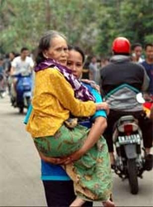 Indonesië in paniek door aardbeving (update)