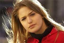 ,,Waarom ik aan dwaze tv-programma's deelneem? Ik ben te nieuwgierig, dat is mijn probleem'', zegt Joyce Van Nimmen.