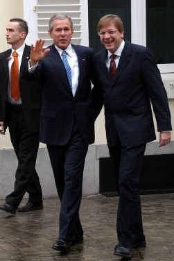 Na het bezoek van president Bush mag premier Verhofstadt zich opnieuw buigen over binnenlandse dossiers. ap