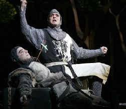 Hank Azaria (boven) en Steve Rosen als ,,ridders'' in Spamalot.