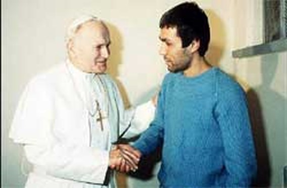 Man die paus neerschoot wil naar begrafenis