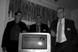 De initiatiefnemers van Actua-TV: Ludwig Verduyn, Danny Roelens en Rudy Dierckx: ,,Wij gaan ervan uit dat onze kijker voldoende bagage heeft om het nieuws te interpreteren''.
