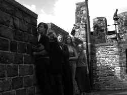De vijf ,,jonge programmamakers'' die in het Gravensteen hun eerste concerten organiseren.