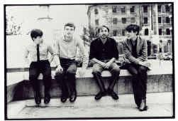 Joy Division: Bernard Sumner, Ian Curtis, Peter Hook en Stephen Morris.