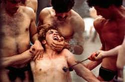 Scène uit Pasolini's laatste film, Salo, een schokkende en uitzichtloze aanklacht tegen machtsmisbruik. Heeft deze film hem het leven gekost?