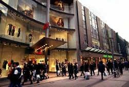 Veel klanten vinden de tijd niet om overdag in Brussel te winkelen.