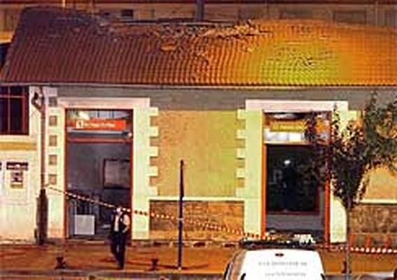 Grote materiële schade bij aanslag op Baskisch station