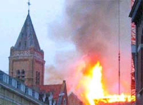 Brand beschadigt Ieperse Sint-Niklaaskerk