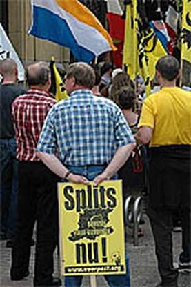 Manifestatie voor splitsing B-H-V in Rode