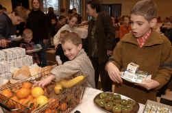 Limburgse kinderen tussen acht en twaalf eten veel fruit, maar sporten weinig.
