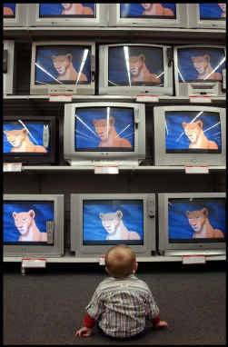 De digitale tv is gelanceerd, en Vlaanderen leert weer een beetje opnieuw tv kijken.
