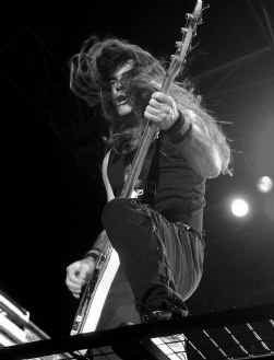 Steve Harris, de bassist van Iron Maiden: een perfect uitzinnige metalman.