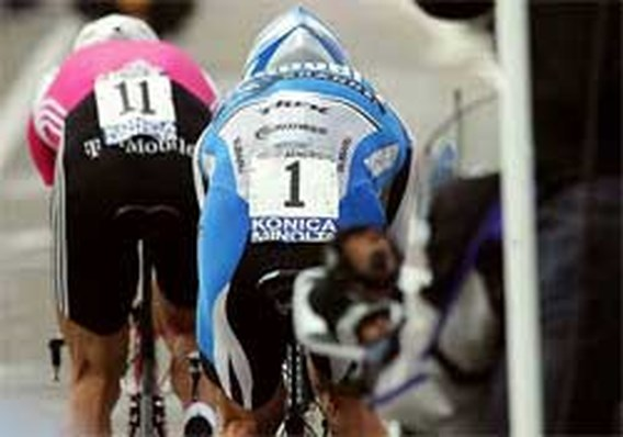 Armstrong walst nu al over Ullrich