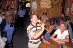 Wie in café De Dulle Griet een bier van het huis drinkt, moet tijdelijk een schoen afstaan.