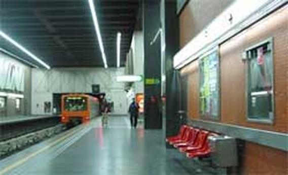 Metrostation Simonis kwartier geëvacueerd wegens verdacht pakje