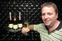 Robrecht Schorpion: ,,Onze schuimwijn verschilt in niets van de champagne uit de Champagnestreek.''