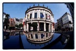 Het Toneelhuis krijgt geld om de Bourla te renoveren.