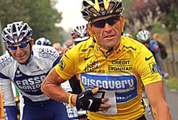 Bush feliciteert Armstrong