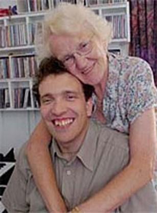 Oma (70) trouwt met toyboy (31)