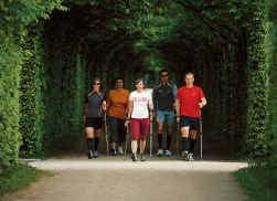 Nordic walking belast in sommige gevallen de gewrichten meer dan joggen.