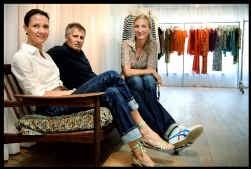 Catherine Felstead (links), Patrick Van Heurck en Marie-Chantal Regout maken drie verschillende modelabels, maar hun ateliers huizen onder hetzelfde dak.